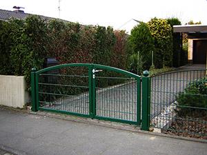 Zaun mit Gartentor